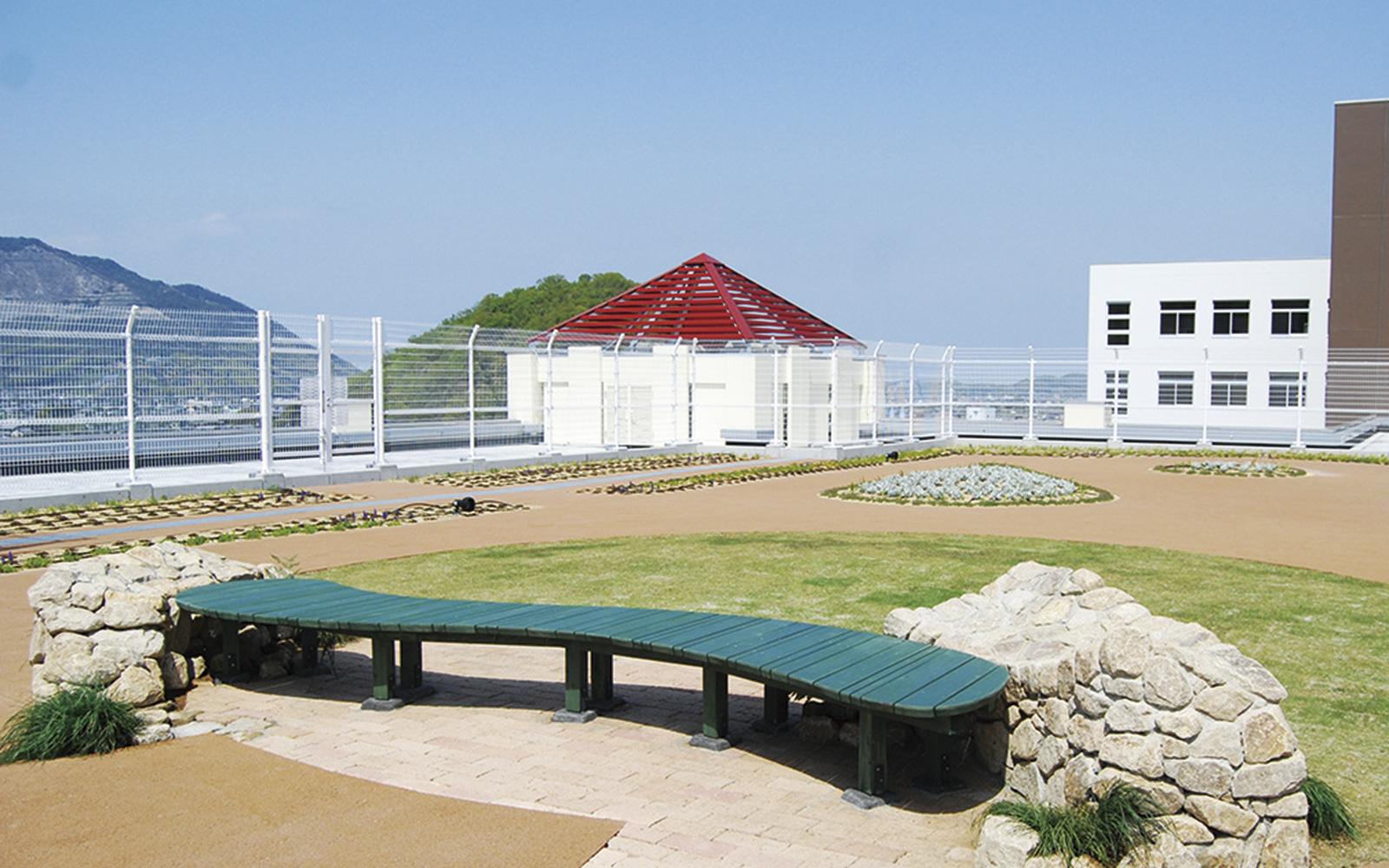 ホスピタルアート 四国こどもとおとなの医療センター 屋上庭園