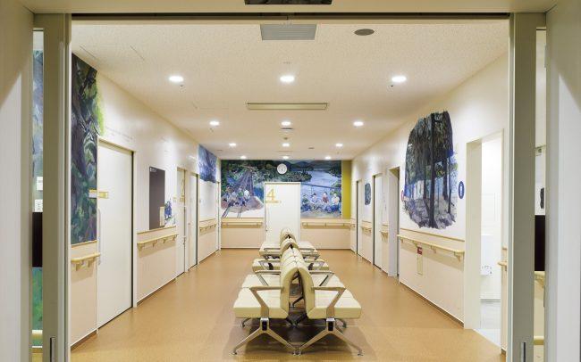 ホスピタルアート 四国こどもとおとなの医療センター どんぐりギャラリー